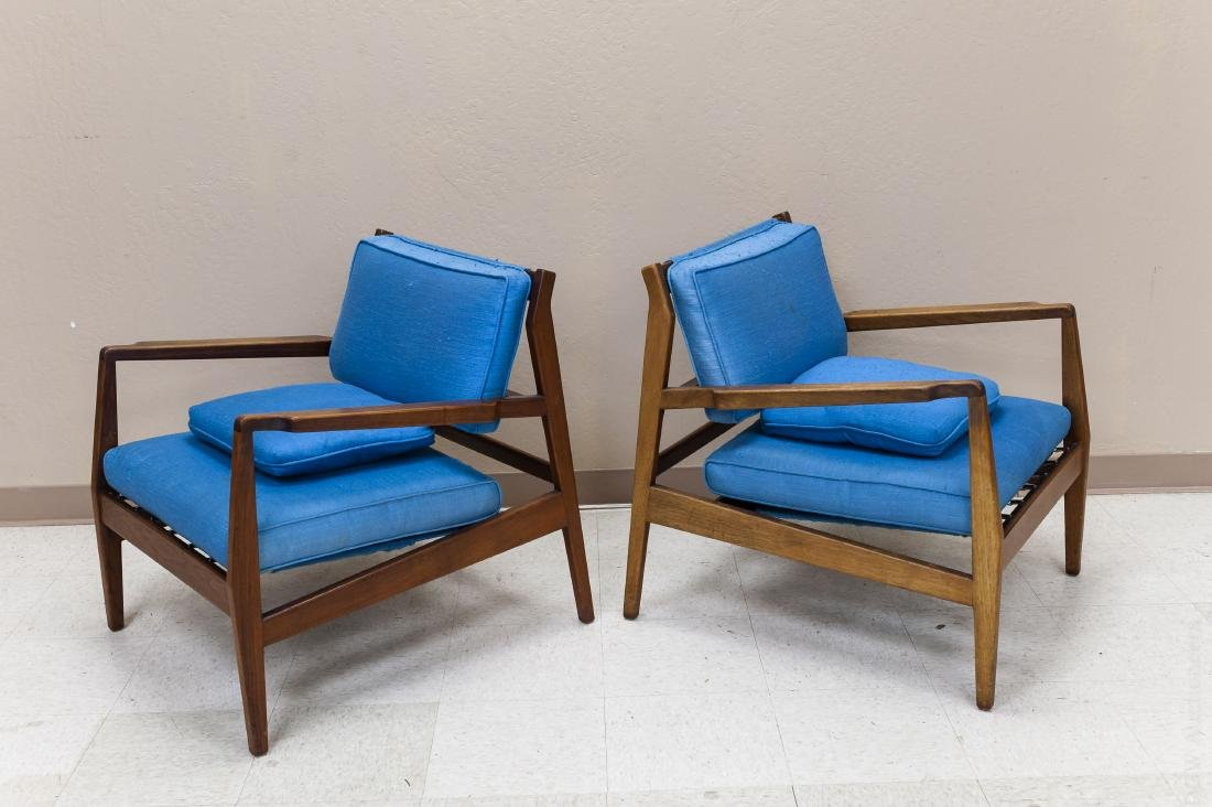 Pair of Jens Risom Design Walnut Lounge Chairs. - 2