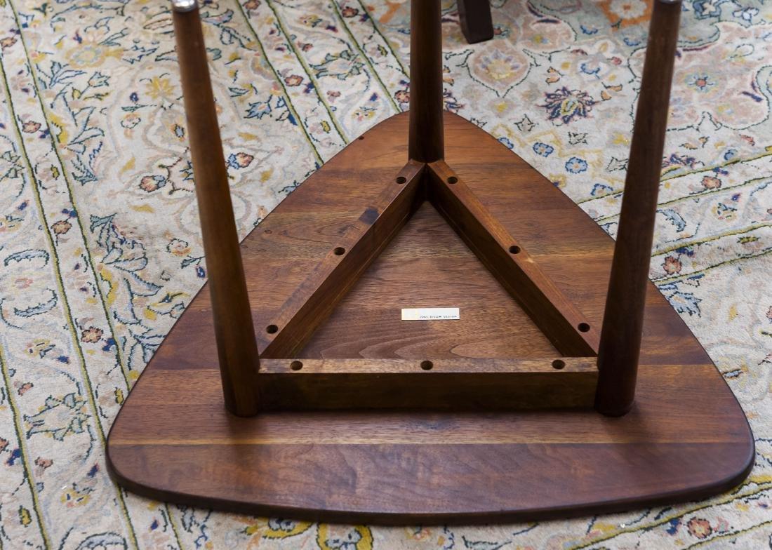 Jens Risom Design Walnut Side Table. - 4