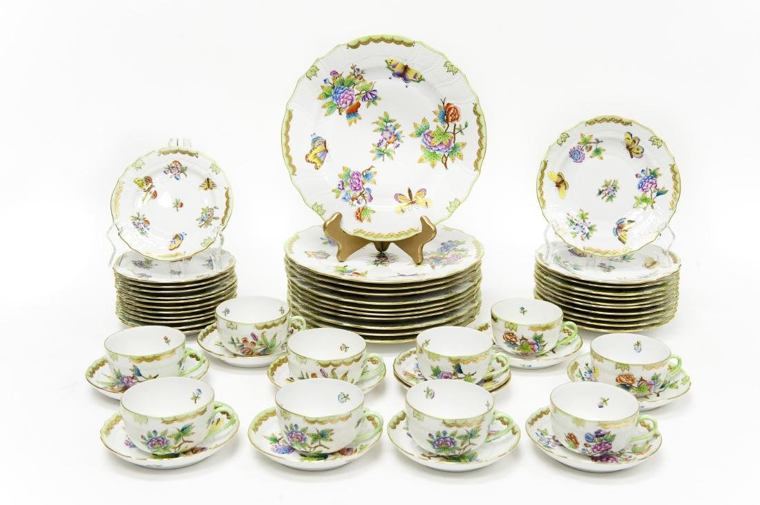 Herend Queen Victoria Porcelain Dinner Service.