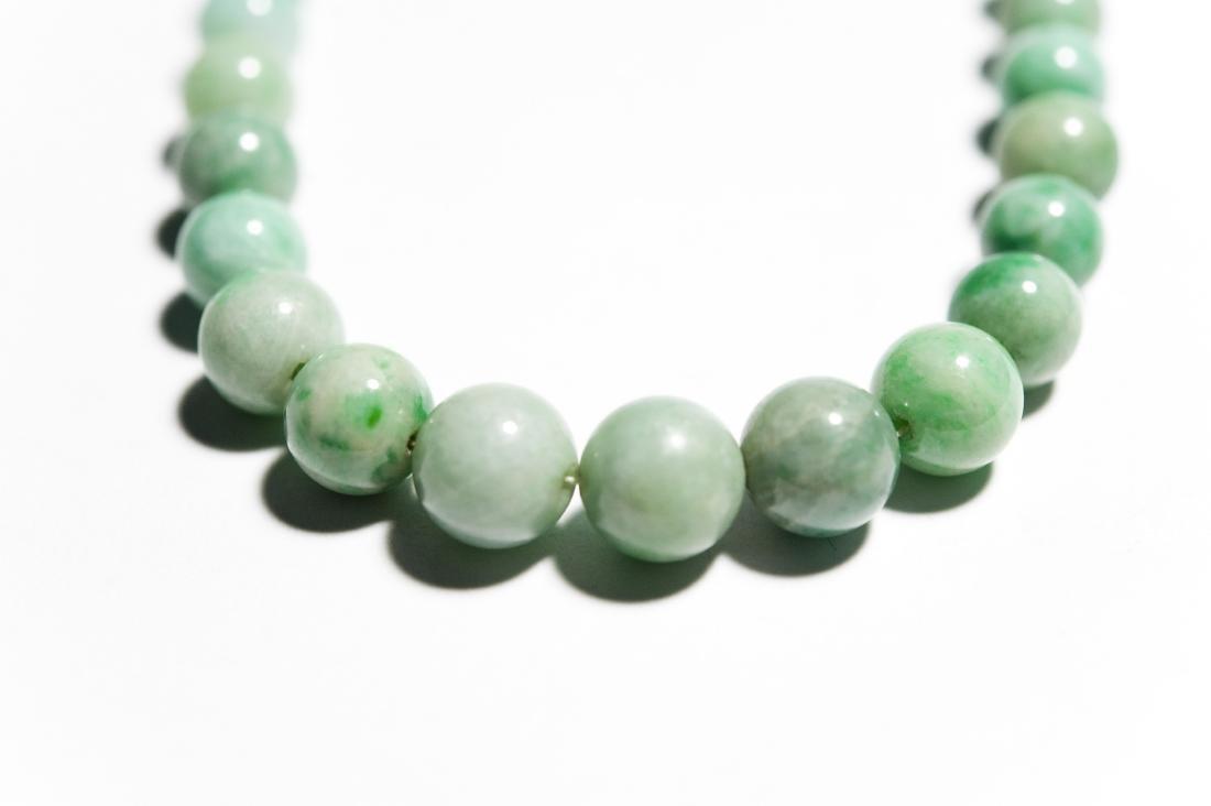 Single Strand Green Hard Stone Bead Necklace. - 3