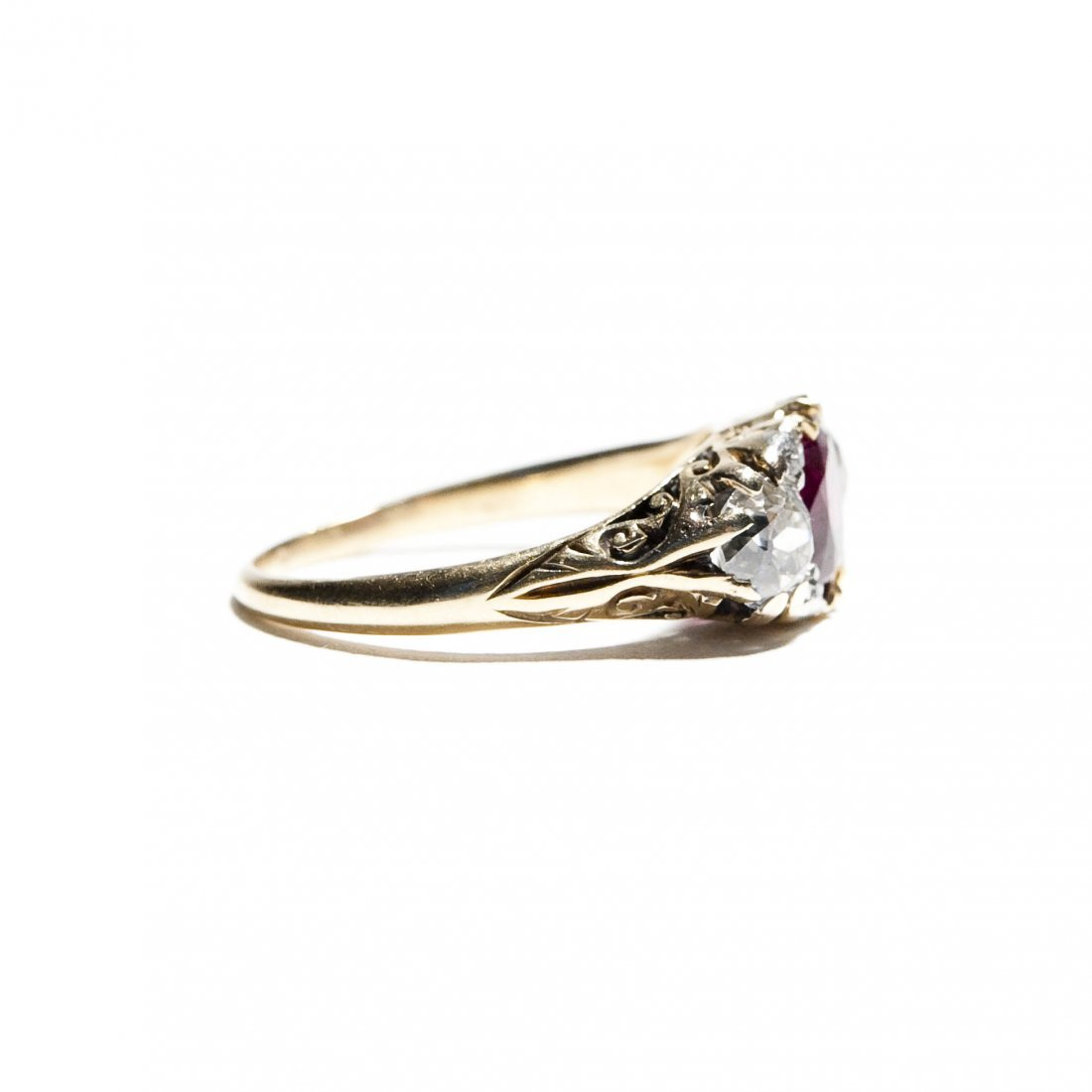 Vintage English Lady's Ruby and Diamond Ring. - 4