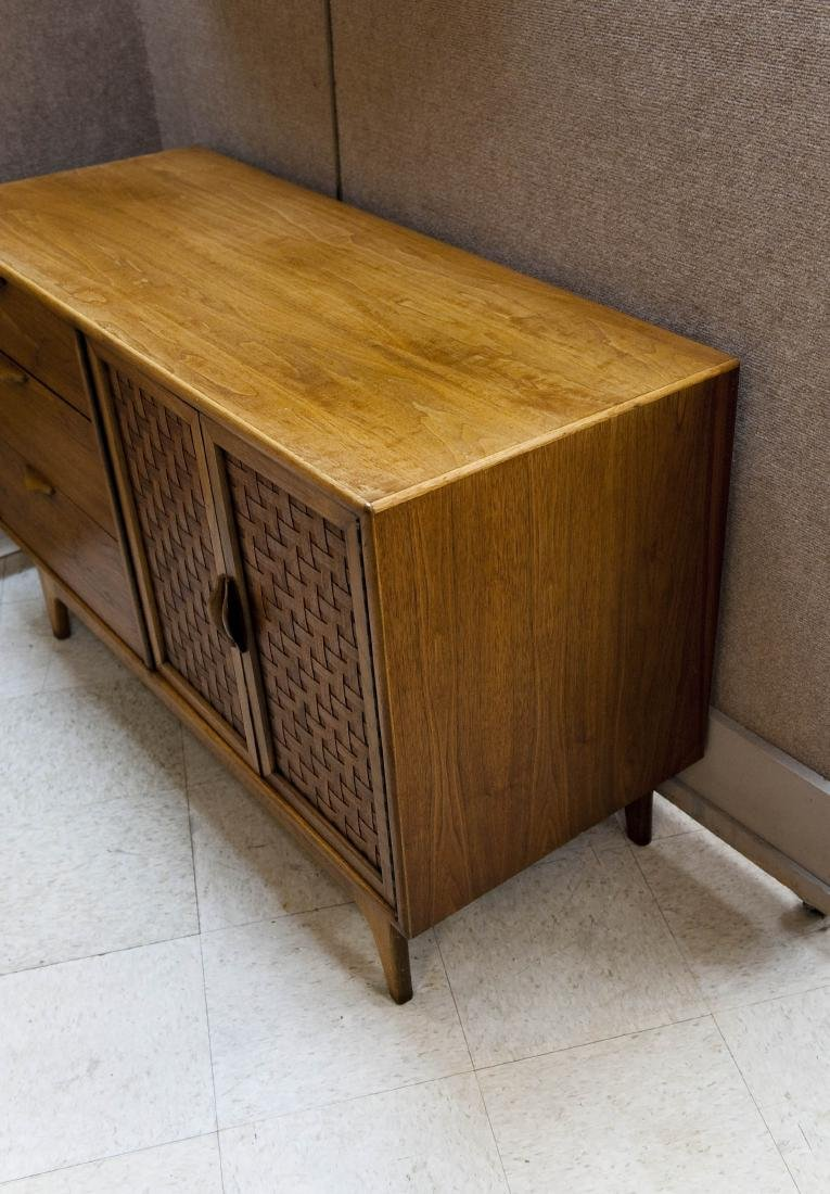 Lane Perception Collection Sideboard. - 2