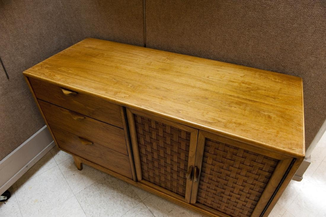 Lane Perception Collection Sideboard. - 3