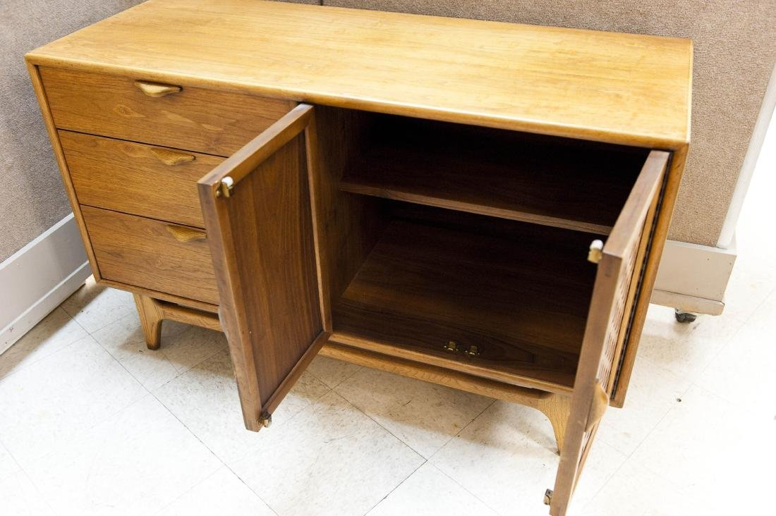 Lane Perception Collection Sideboard. - 6