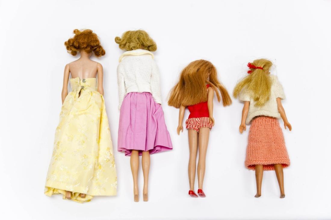 1962 Barbie Doll Case & 4 Barbie & Skipper Dolls. - 3