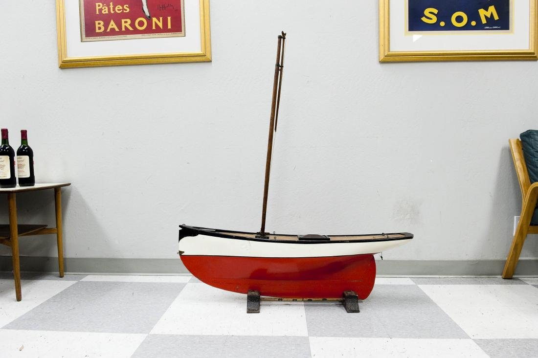 Early 20th C. Model Sailboat. - 2