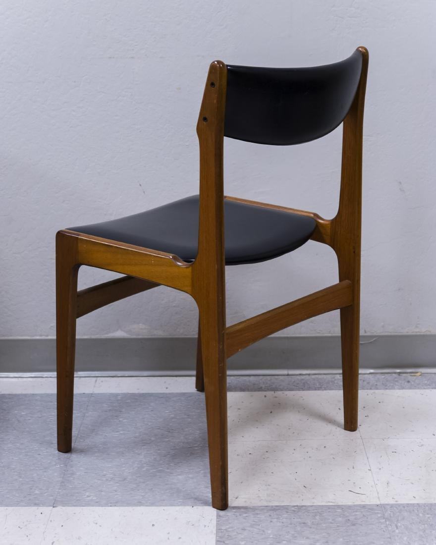 Mid 20th C. Modern Dining Table and 4 Chairs. - 13