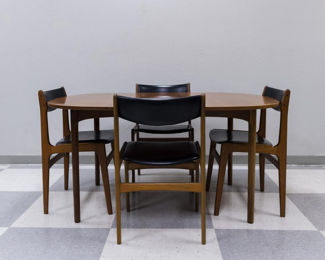 Mid 20th C. Modern Dining Table and 4 Chairs.