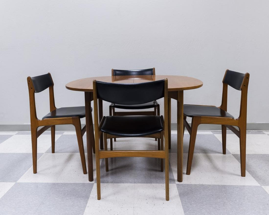 Mid 20th C. Modern Dining Table and 4 Chairs. - 2