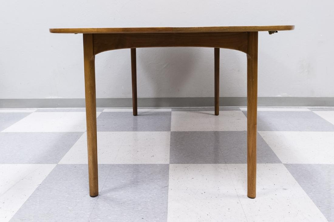 Mid 20th C. Modern Dining Table and 4 Chairs. - 4