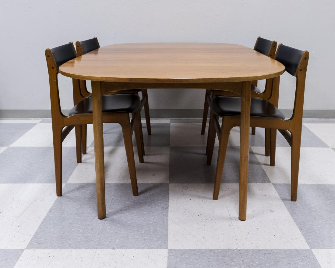 Mid 20th C. Modern Dining Table and 4 Chairs. - 5
