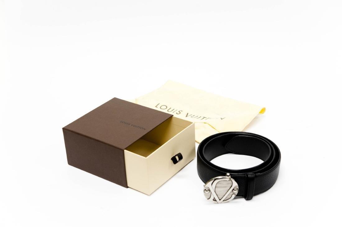 Louis Vuitton Leather Belt. - 8