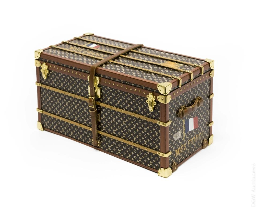 Louis Vuitton Trunk Paperweight.