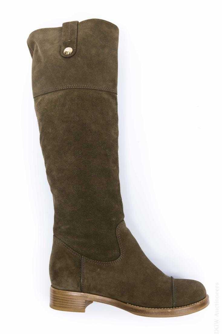 5f3552c67032 Pair of Louis Vuitton Boots.