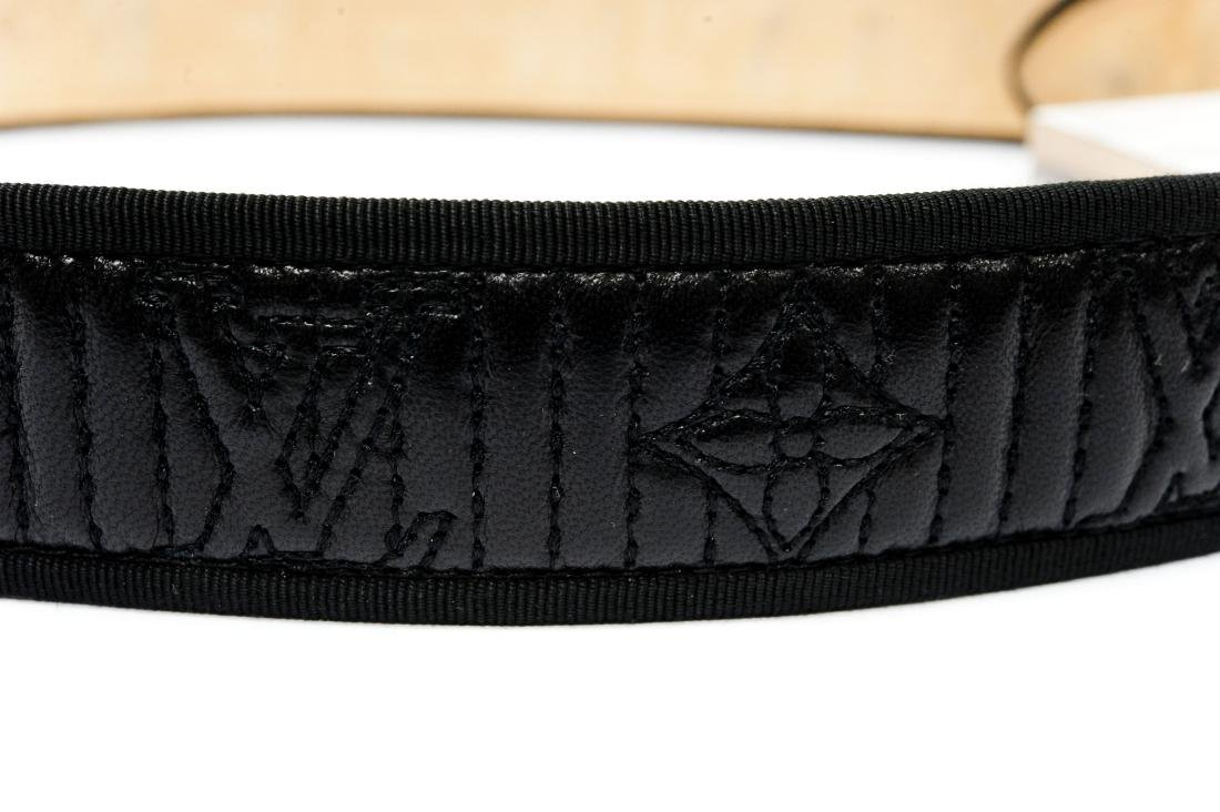 Louis Vuitton Ladies' Black Leather Belt. - 8