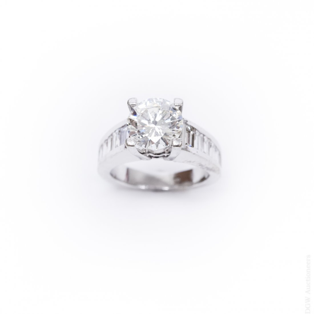 18K White Gold & Diamond Ring. 2.17 ct Center Diamond.