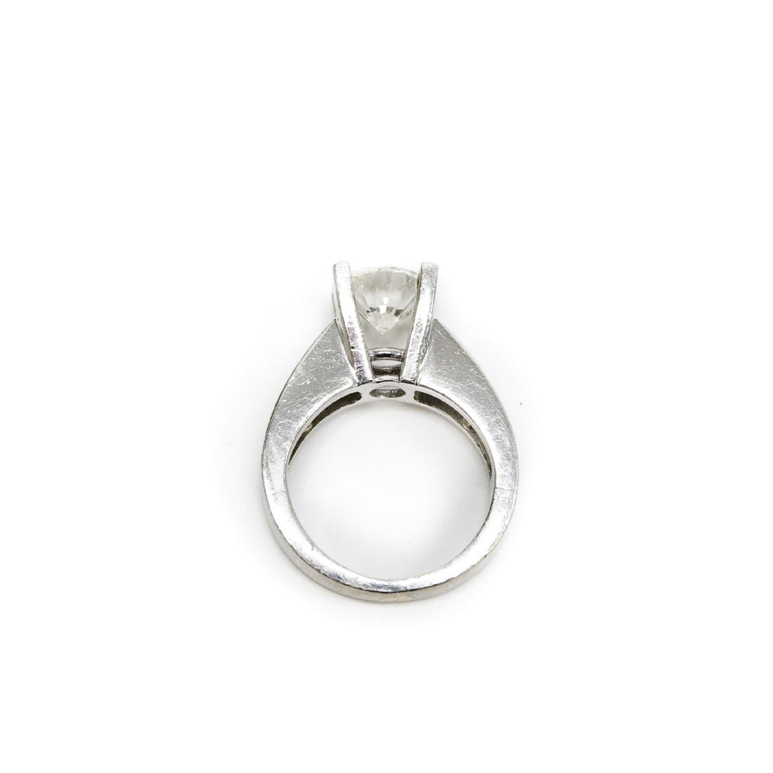 18K White Gold & Diamond Ring. 2.17 ct Center Diamond. - 2