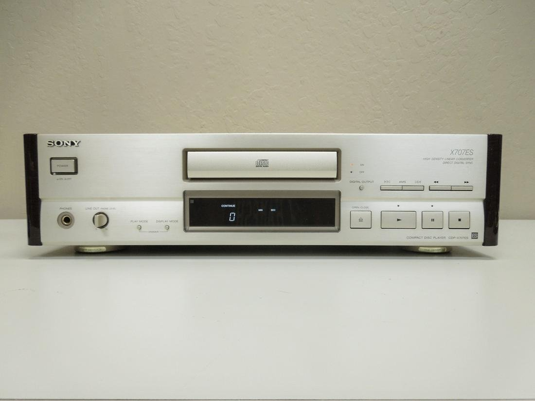 Sony CDP-X707ES Compact Disc Player.