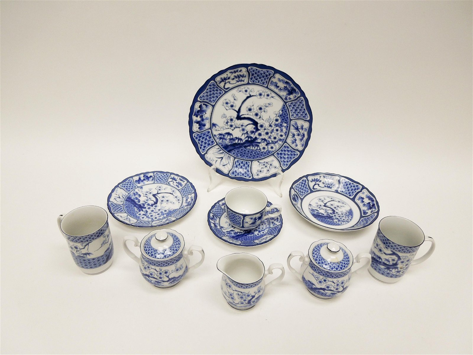 Gumps Japanese Porcelain Dinner Service.