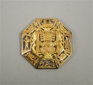 Peru 18K Gold Open Work Medallion Brooch.