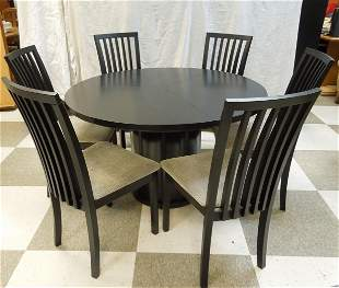 Skovby SM32W Dining Table with 6 Chairs.