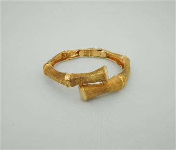 14K Yellow Gold Bangle Bracelet.