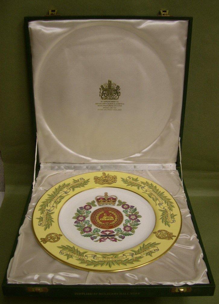 23: Spode Commemorative Plate Gloucestershire Regt.