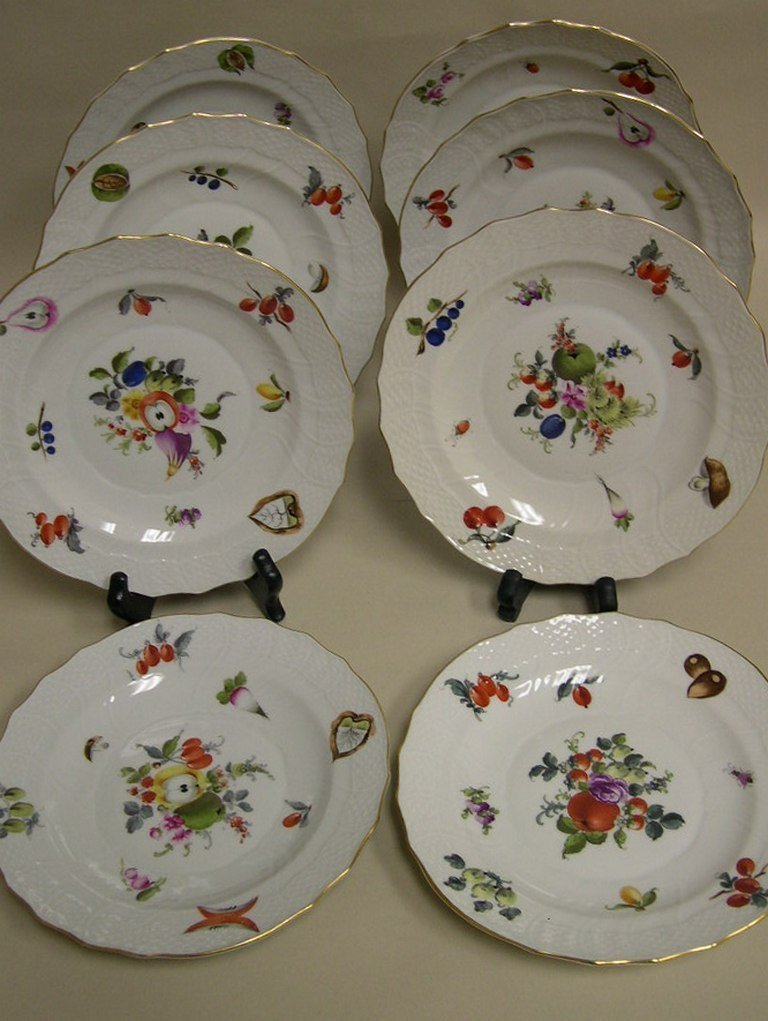 (8) Herend, Hungary Handpainted Porcelain Plates