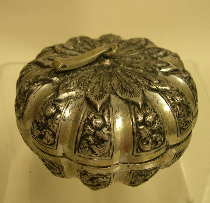 Silver Melon Form Box stamped 900 P.C.