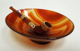 Chinese Carved Agate and Gold Mounted Pipe and Bowl