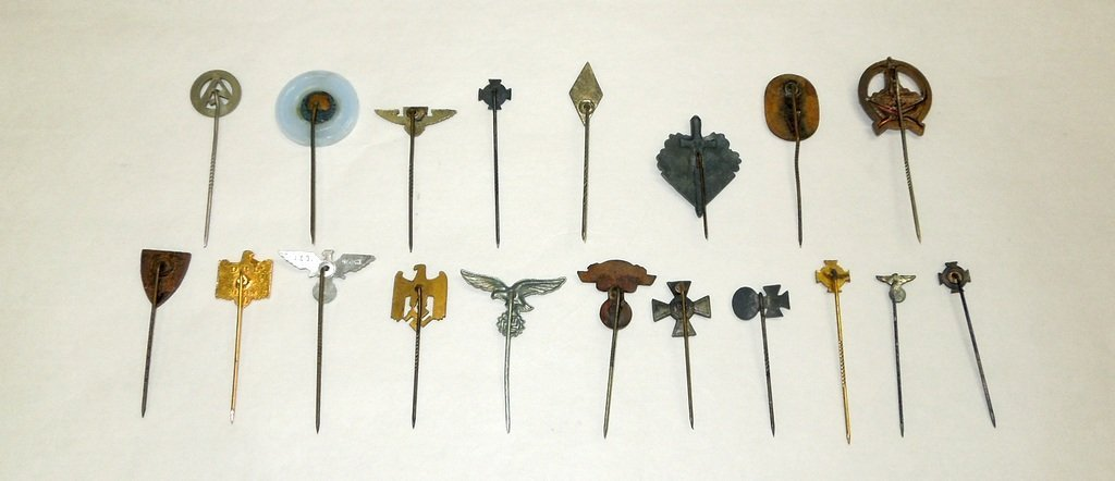 Extensive collection of German WW2 uniform pins - 3