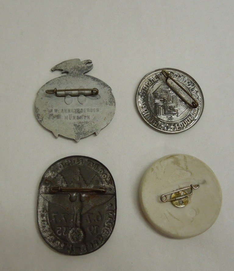 Extensive Collection of German WWII Badges and Tinnies - 6