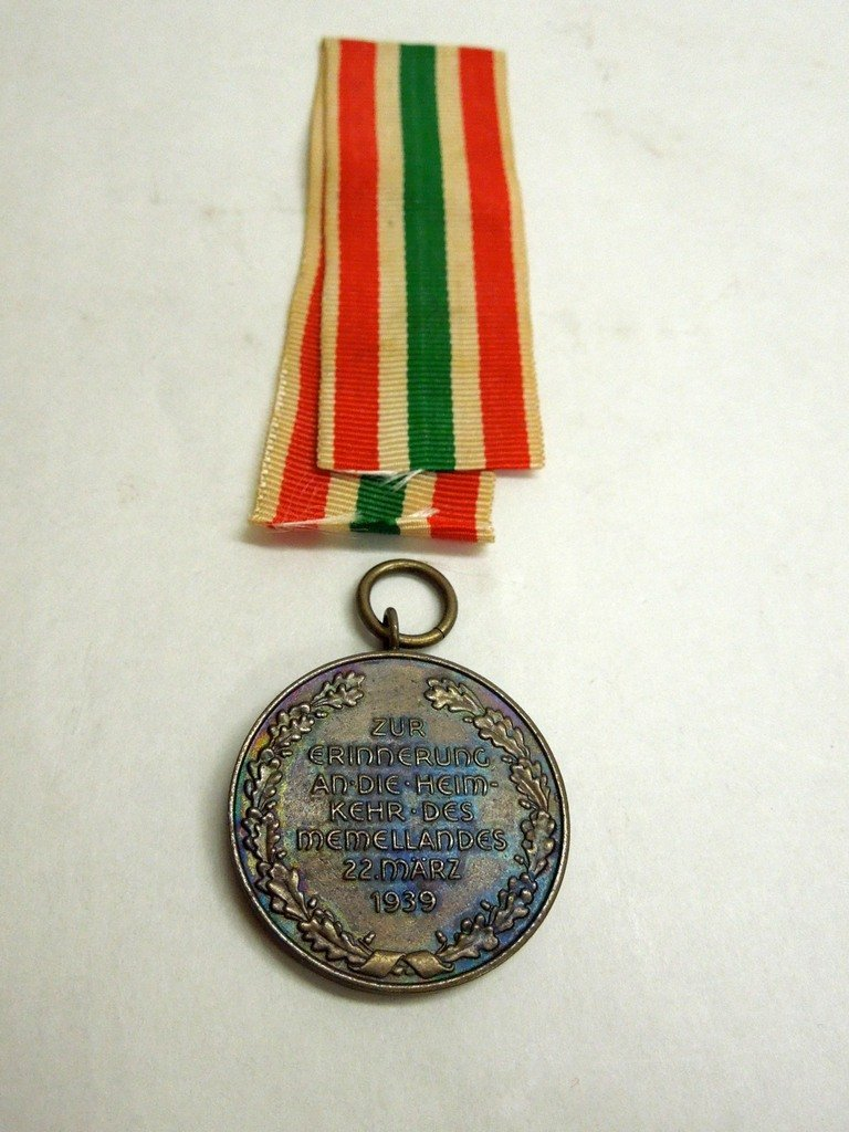 Extensive Collection of German WWII Badges and Tinnies - 8