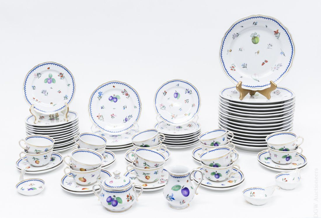 Richard Ginori Porcelain Dinner Service.