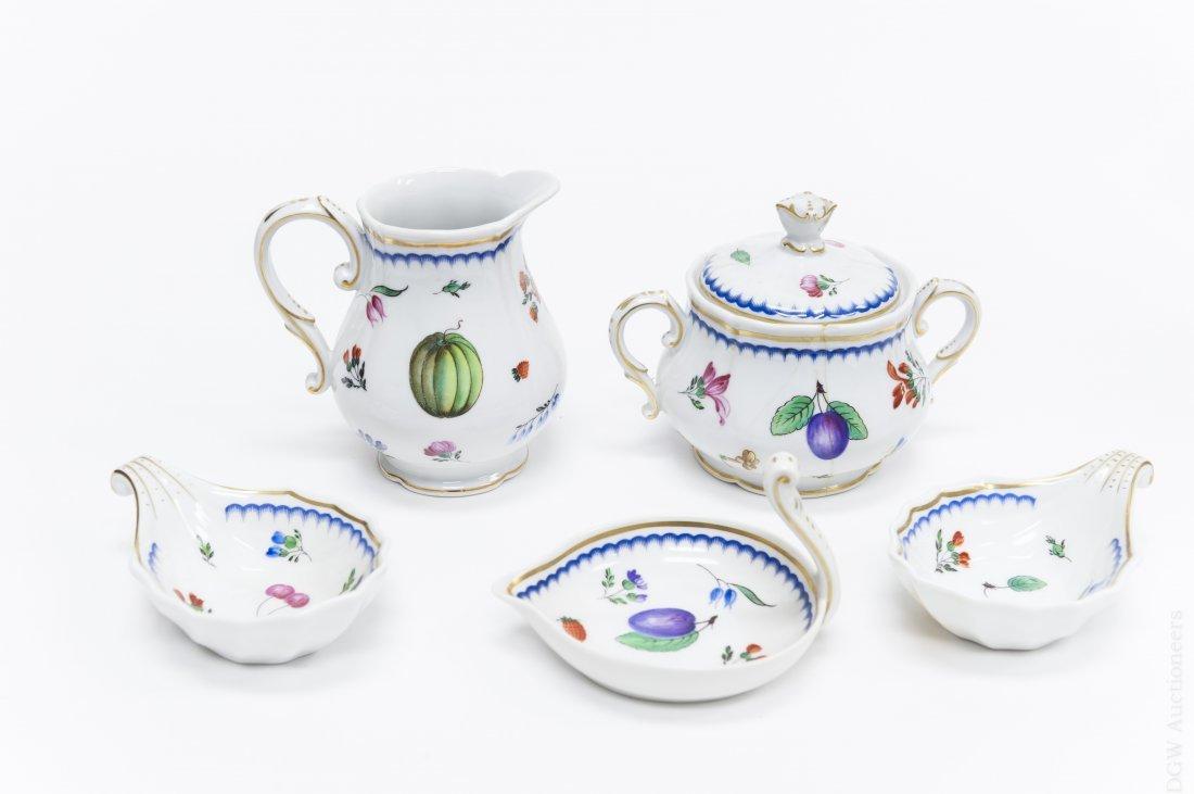 Richard Ginori Porcelain Dinner Service. - 5