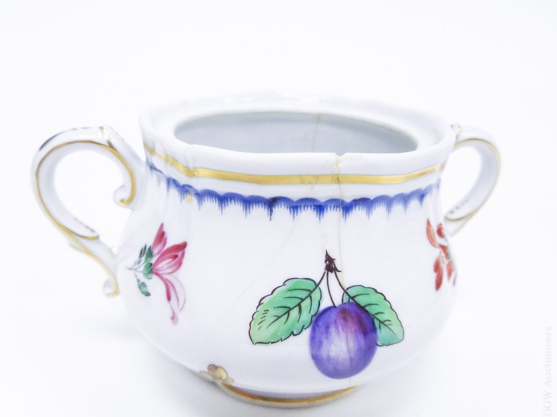 Richard Ginori Porcelain Dinner Service. - 6