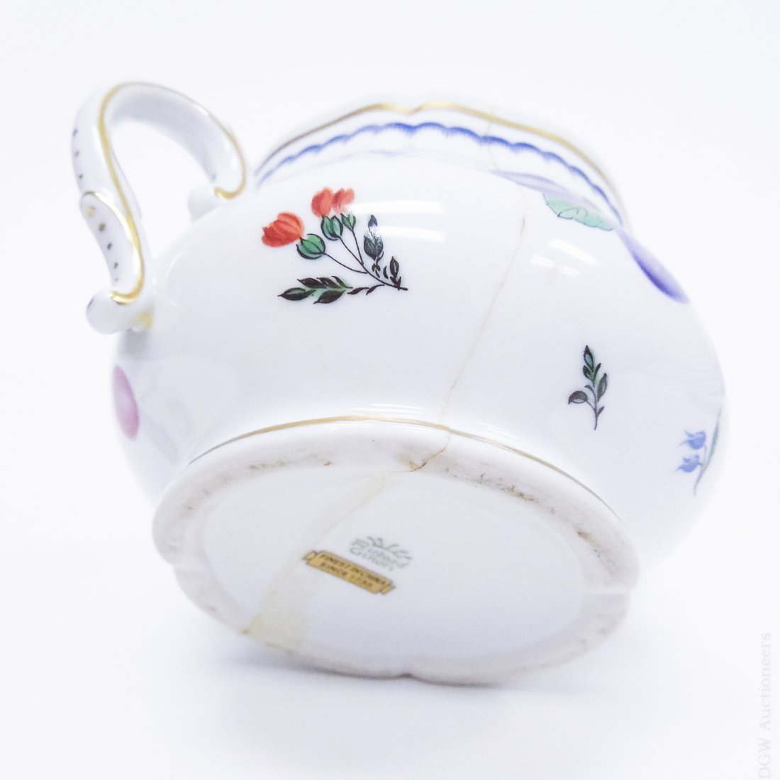 Richard Ginori Porcelain Dinner Service. - 7