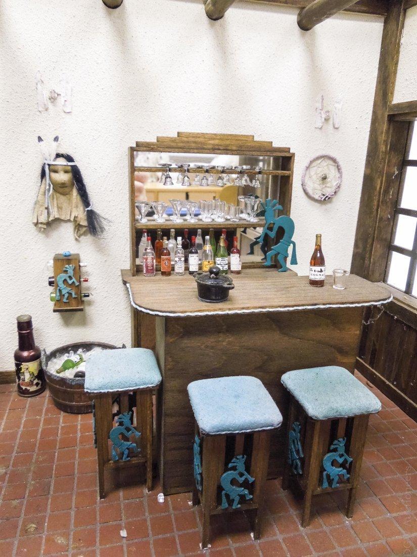 Southwestern Style Dollhouse Diorama. - 7
