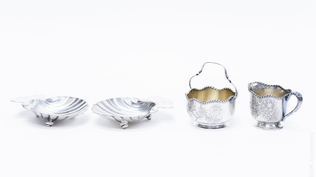 Pairpoint Silver plated Sugar & Creamer Set.