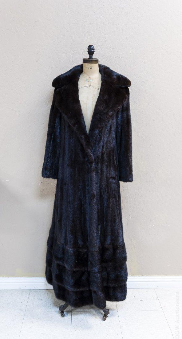 Ladies' Vintage Full Length Fur Coat. - 2