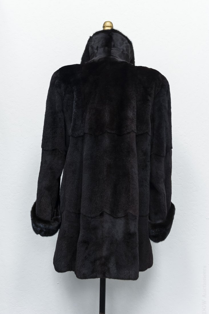 Lady's Fur Jacket. - 3