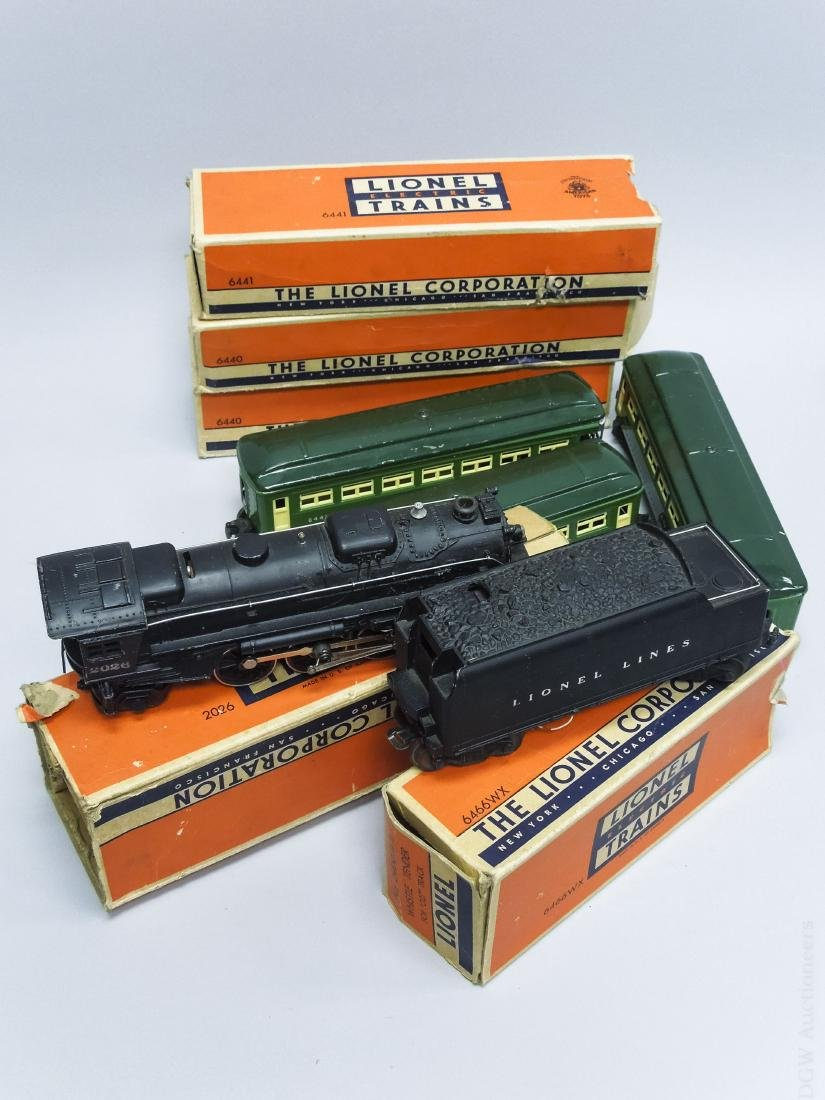 Group of Lionel Train Cars & Accessories. - 2