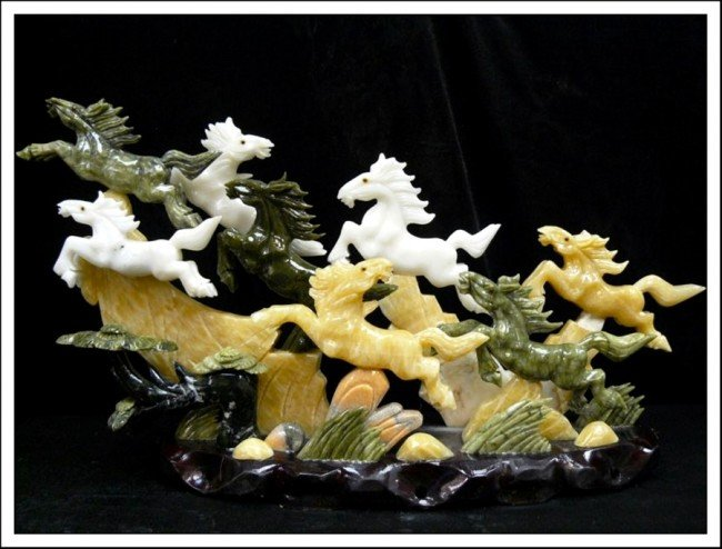 741J: REAL MULTI JADE 8 HORSES MOUNTAIN