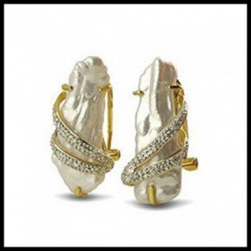 18KT YELLOW GOLD SLAB PEARL AND DIAMOND EARRINGS