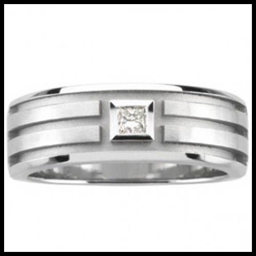 5F: SQUARE DIAMOND IN GROVED RING