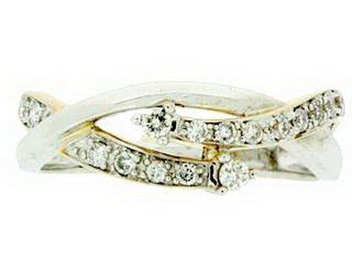 69Z: DIAMOND RING - 14KT GOLD