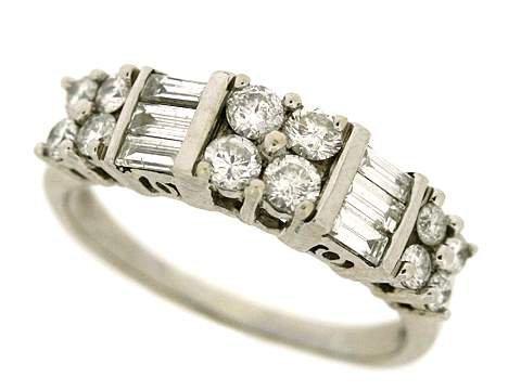 997Z: LADIES DIAMOND RING