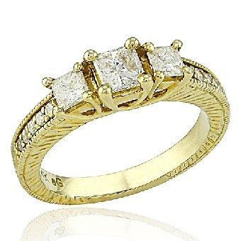 721W: 3-STONE PRINCESS CUT DIAMOND RING