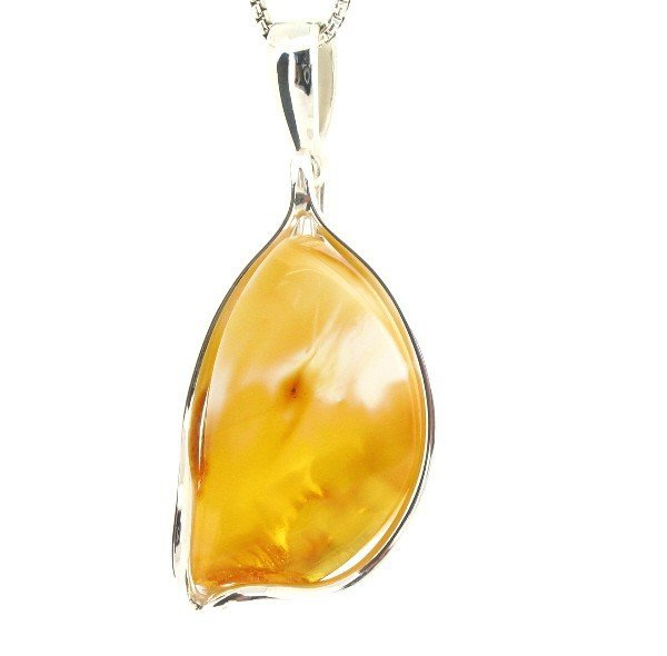 1F: NATURAL HONEY COLORED AMBER PENDANT