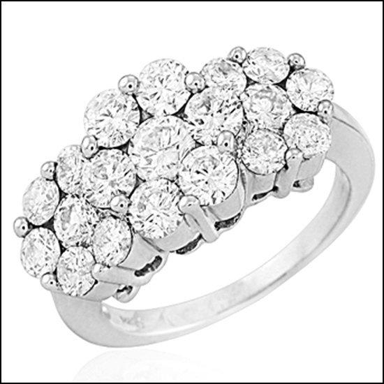 9L: 14K GOLD - DIAMOND 3-STONE FLOWER RING